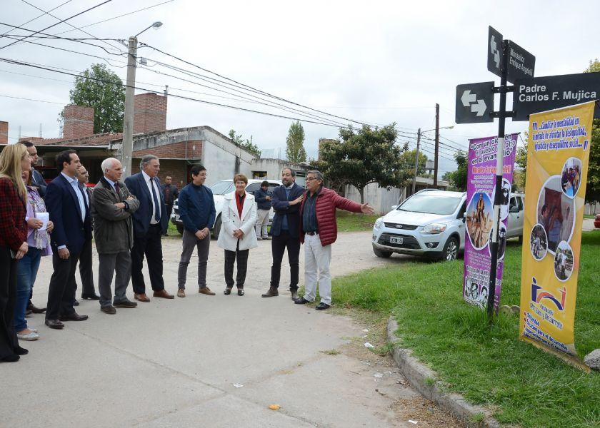 Una calle del barrio Timoteo II lleva su nombre.