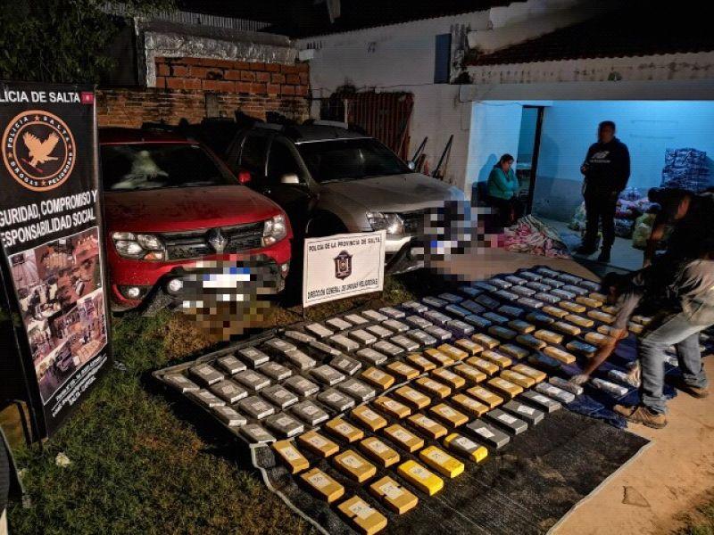 En el operativo realizado en la Ruta Nacional 50 y la ruta Nacional 34, jurisdicción de Pichanal, secuestraron droga y tetuvieron a 4 detenidos.