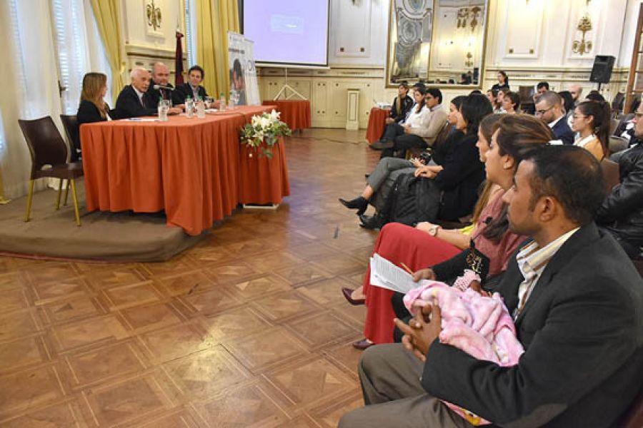 Reunión de la mesa provincial del Programa Siria donde confluyen el Ministerio de Gobierno junto a diversas organizaciones de ayuda a refugiados.