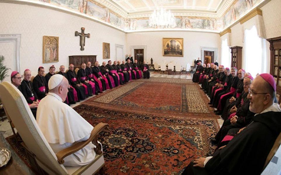 La orden del Papa establece el procedimiento a seguir en las diócesis y exige celeridad en las investigaciones preliminares.