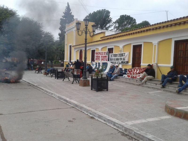 La Cámara de Diputados intercederá ante la conflictiva situación de los empleados municipales de Campo Santo.