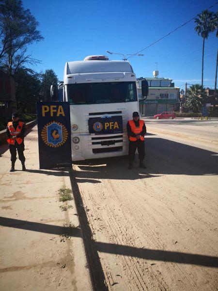 El camión fue detenido en la frontera con maíz.