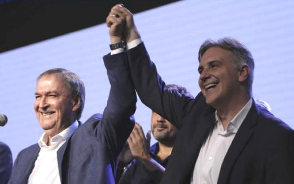 El gobernador Juan Schiaretti fue reelecto con casi el 55 por ciento de los votos. Muy lejos quedó Mario Negri.
