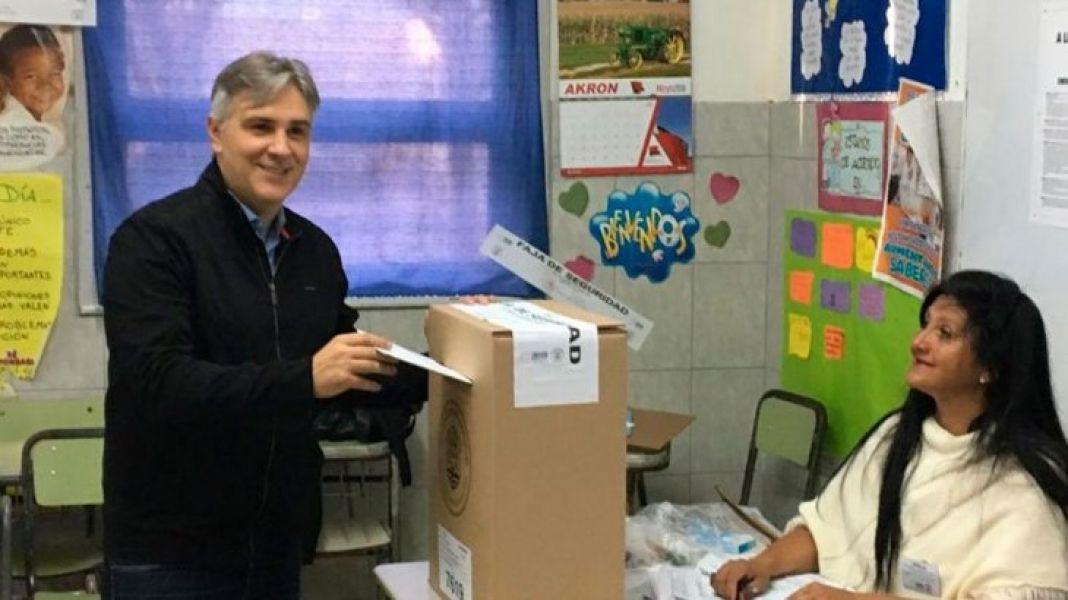 El candidato del oficialismo cordobés Martín Llaryora ganó este domingo en los comicios en la intendencia de Córdoba.