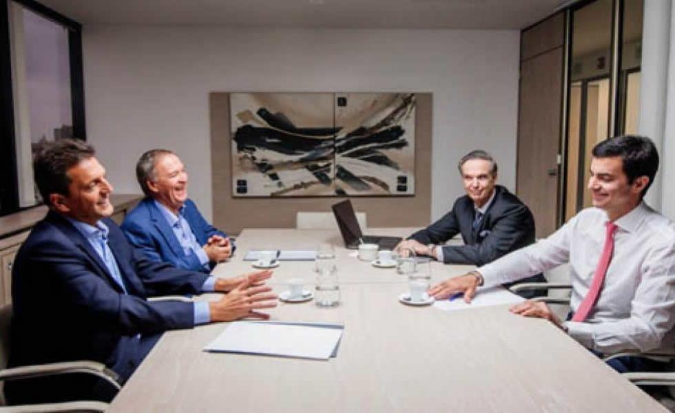 """Pichetto y Lavagna del sector Alternativa Federal valoraron la victoria electoral de Juan Schiaretti en Córdoba y el mensaje """"Antigrieta""""."""