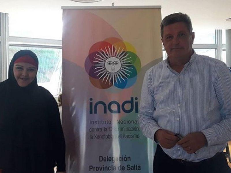 El titular del INADI, Alvaro Ulloa, intercederá ante los obstáculos que presentan mujeres musulmanas en el Registro Civil y Banco Nación.