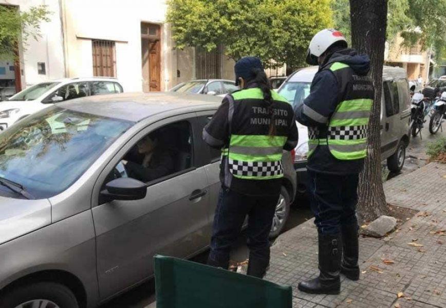 Desde la Municipalidad informaron que en abril, el saldo de multas por vehículos mal estacionados ascendió a tres mil.