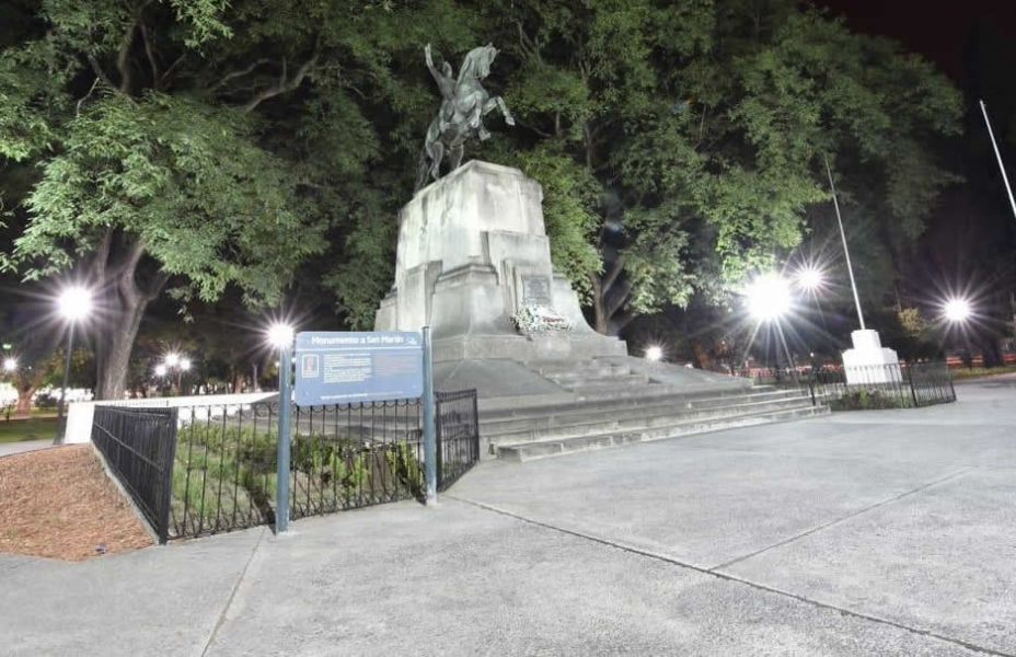 El acto por la Independencia de Paraguay será ante el monumento al general San Martín.