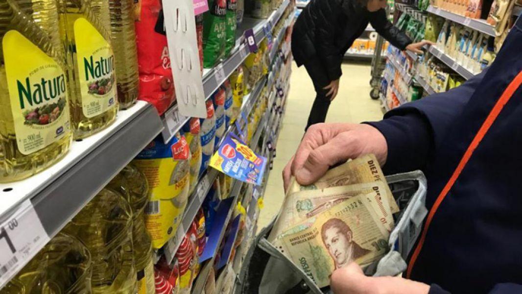 """""""La inflación se está desacelerando"""", dicen desde el Gobierno, una visión que las góndolas de los supermercados no registran."""