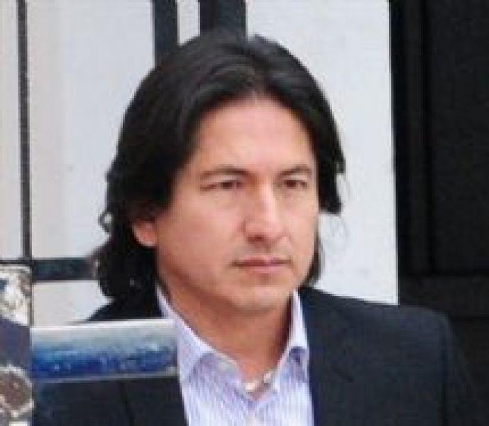 Rubén González pide papeles del último balance.