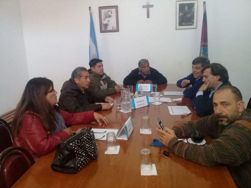 Concejales de Campo Santo con sendos informes en manos analizarán si amerita el inicio de un juicio político al intendente Mario Cuenca.
