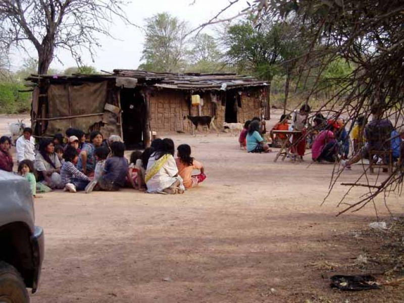 Los que pobladores que reclaman por un docente y refacciones de su escuela son miembros de la comunidad El Traslado, de Tartagal.