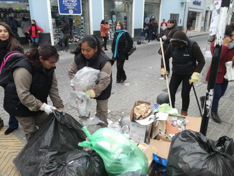 Habrá recolección de residuos y limpieza en forma normal en las zonas habituales durante el feriado del 25 de mayo.