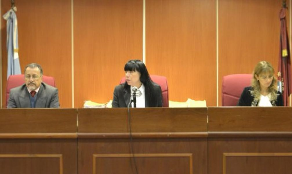 El tribunal del juicio por la muerte de Cintia Fernández. Hasta el 30 se recibirán las testimoniales y los alegatos serán el 6 de juniio.