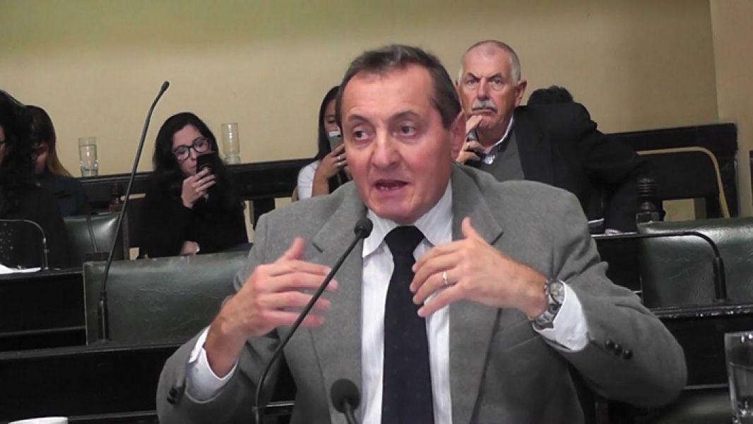 El senador Roberto Gramaglia (Metán-PRS) fue el autor de la medalla de Guemes a la que se sumaron varios legisladores.