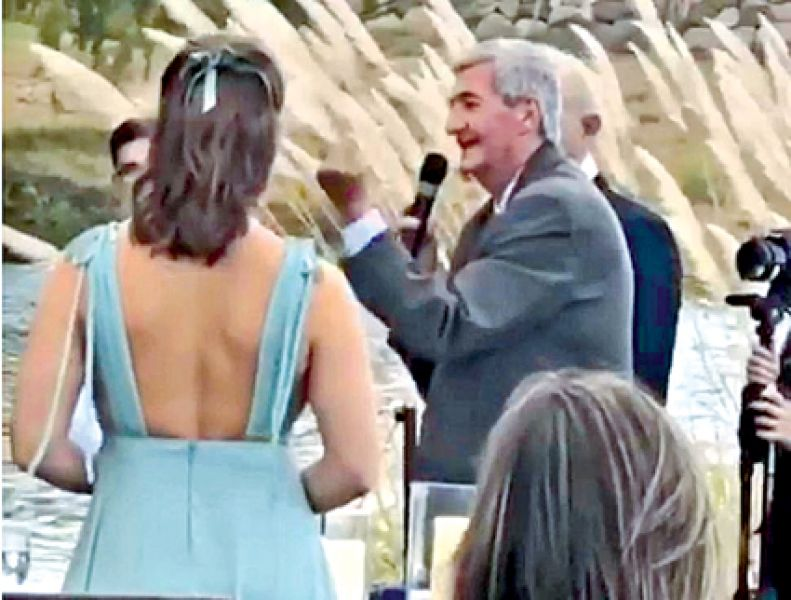 Un video muestra a uno de los jueces tucumanos celebrando un matrimonio en Cafayate.