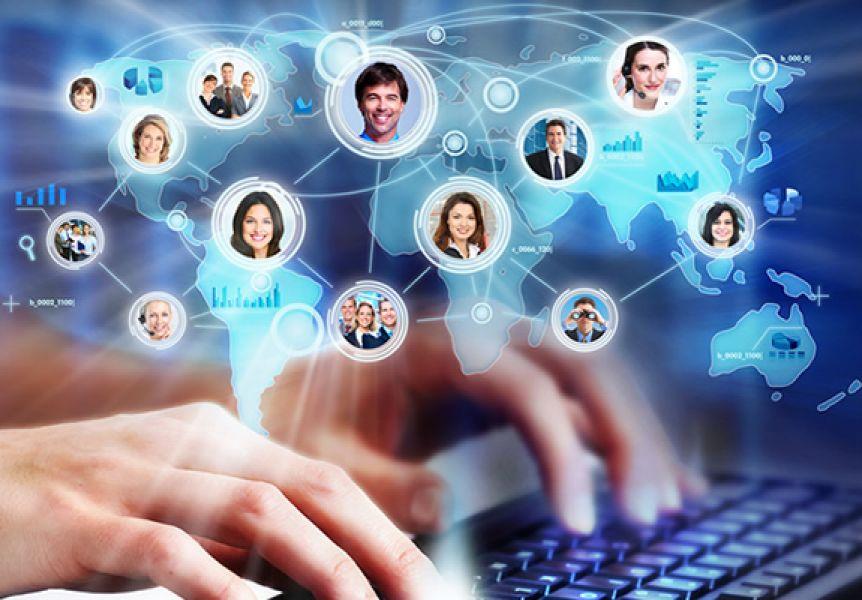 """Con la campaña """"No caigas en su red"""" concientiza y previene a los alumnos sobre el uso responsable de las redes sociales."""