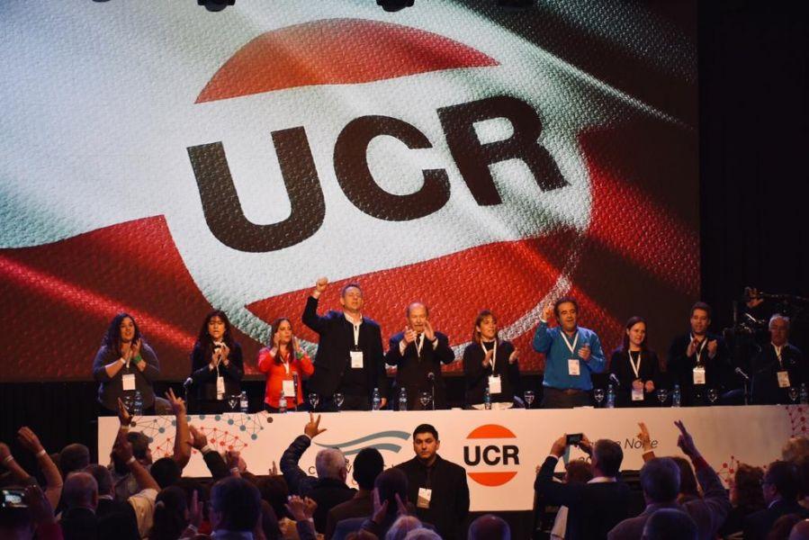 La UCR definió que buscará una ampliación de la alianza, para lo que conformó una comisión negociadora con el macrismo.