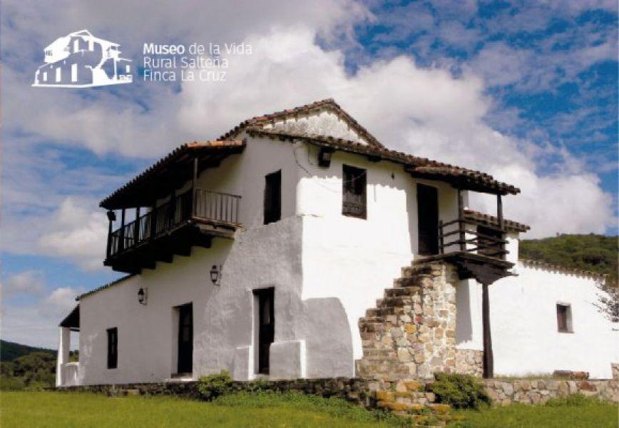 El museo Finca La Cruz se encuentra a 27 km de Salta Capital.