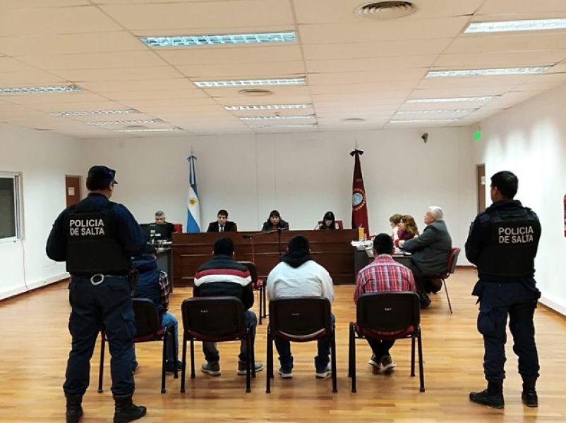 El juicio que condenó a cuatro sujetos por un homicidio se cumplió en la Sala II del Tribunal de Juicio de Tartagal.