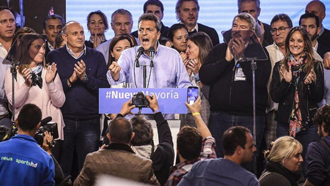 El congreso del Frente Renovador ratificó el liderazgo y la candidatura presidencial de Sergio Massa.