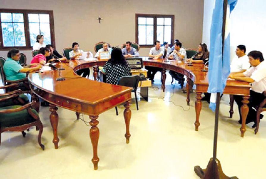 El Concejo Deliberante oranense. La ordenanza prevé tasas que no fueron establecidas por ley municipal sancionada conforme al procedimiento.