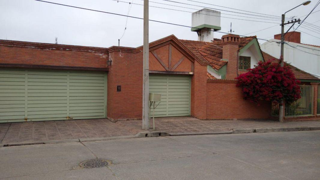 La casa de Mario Teruel, durante la inspección por el abuso a una menor por Lautaro. (Foto: Somos Salta).