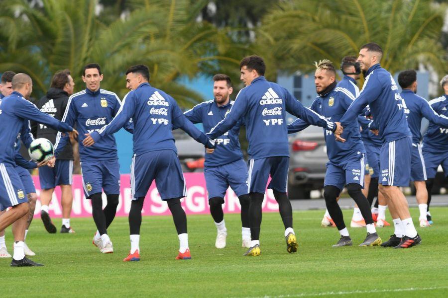 """Con Messi, el """"Kun"""" Agüero y Di María como los más experimentados la Selección juega el último partido antes de  viajar a Brasil."""