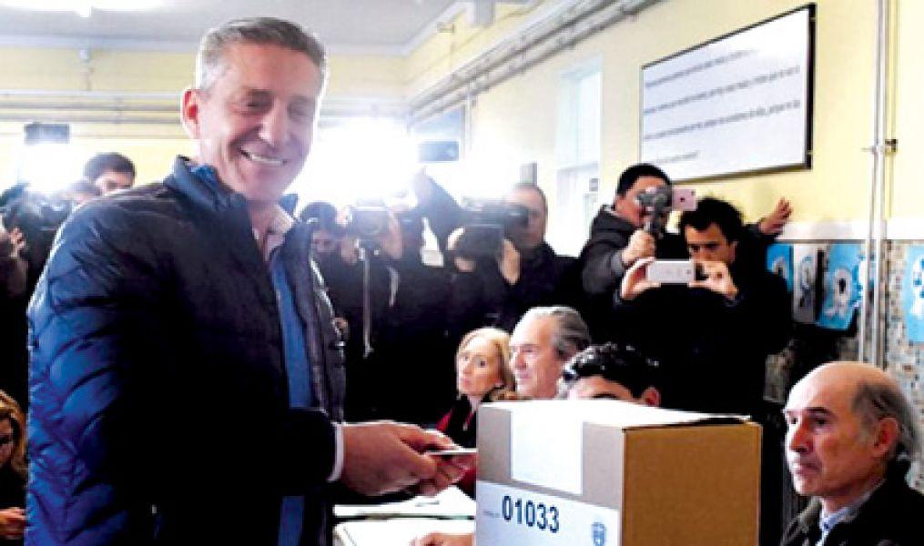 Arcioni, en su camino por la reelección, encabezó Alianza Chubut al Frente y obtuvo 121.188 votos.