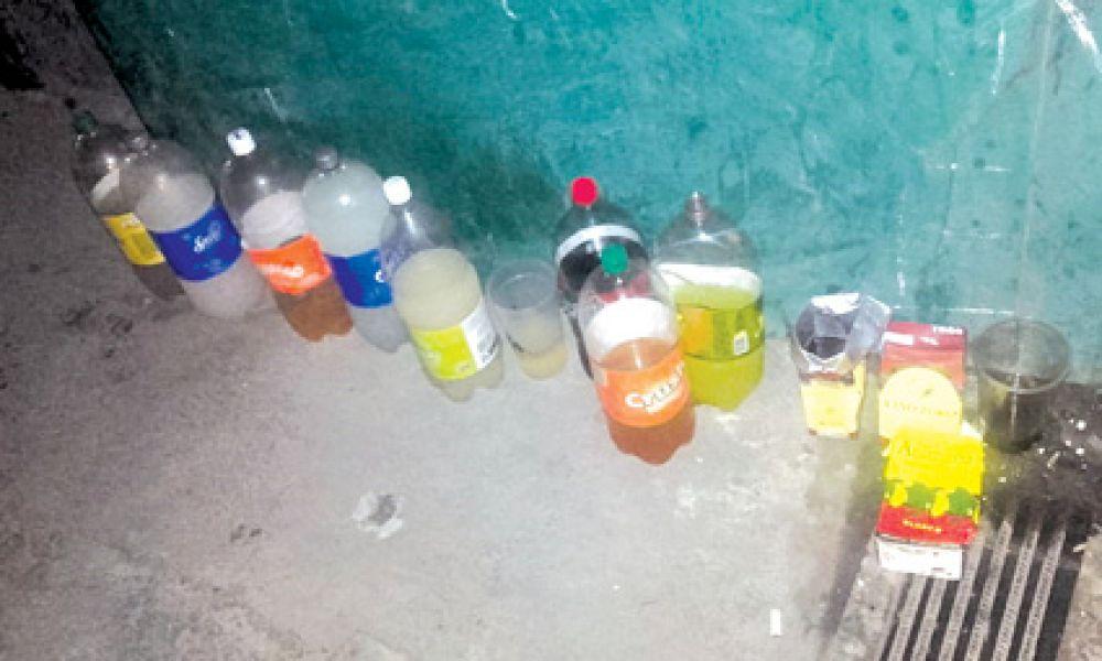En una fiesta clandestina secuestraron bebidas alcohólicas que se vendían a menores de edad.