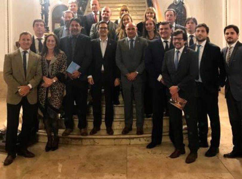 Los funcionarios judiciales federales reunidos ayer en Salta en la primera jornada de aplicación del modificado Código Procesal Penal.