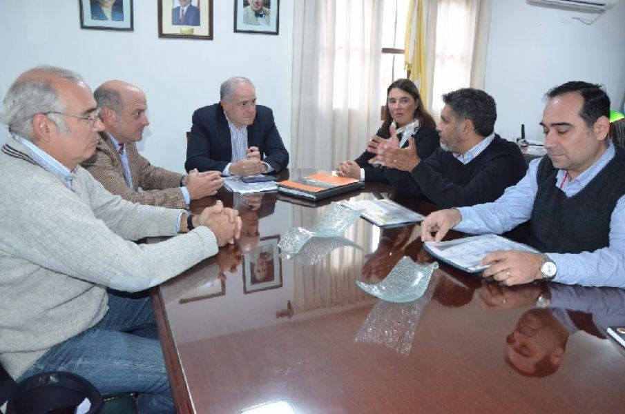 En la reunión de Cánepa con directivos del Banco de Alimentos Salta buscan evitar el desecho de alimentos que todavía pueden ser consumidos.