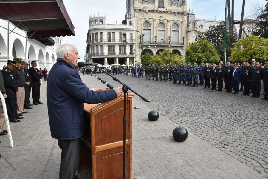 López Arias animó a los veteranos y a los familiares de los caídos a continuar la difusión de los hechos en la guerra de Malvinas.