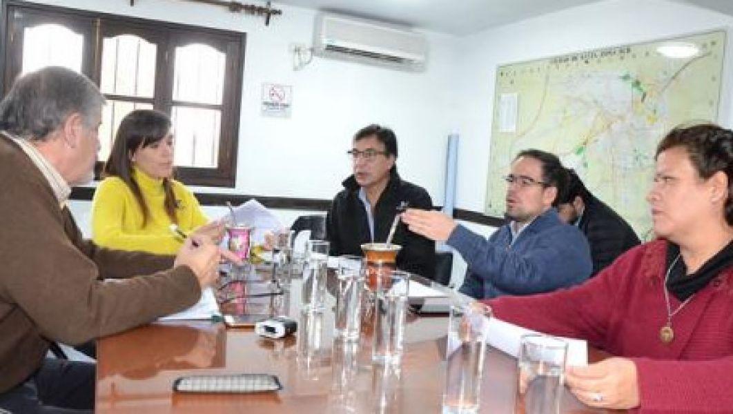 La comisión de Hacienda del CD decidió aceptar la donación de un horno de cerámica para la Escuela de Artes y Oficios.