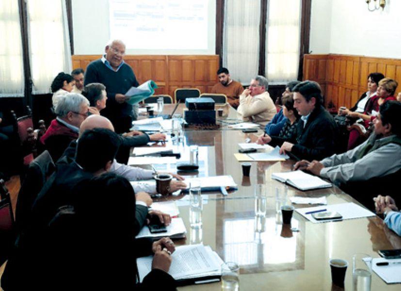Reunión en la Cámara de Diputados con gerentes de los hospitales públicos de Salta.