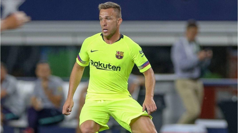 Arthur Melo, ayer hizo trabajo diferenciado. Pero no jugará ante Bolivia.