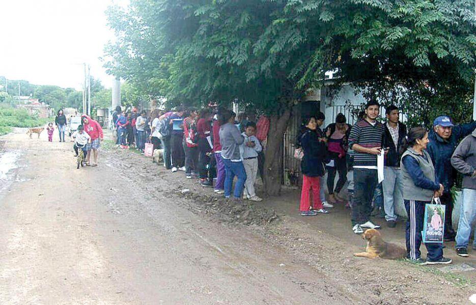 El reclamo de los vecinos de barrio Las Colinas por sus escrituras lleva más de cinco años.