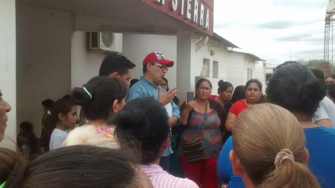 Marinaro Rodó tuvo una conflictiva reunión y cruces con algunos vecinos del Municipio de Alto la Sierra en Rivadavia.