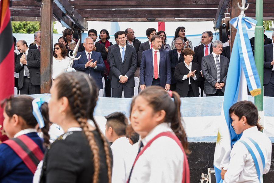 El Gobernador presenció el desfile cívico-militar en el 95° aniversario de Tartagal.