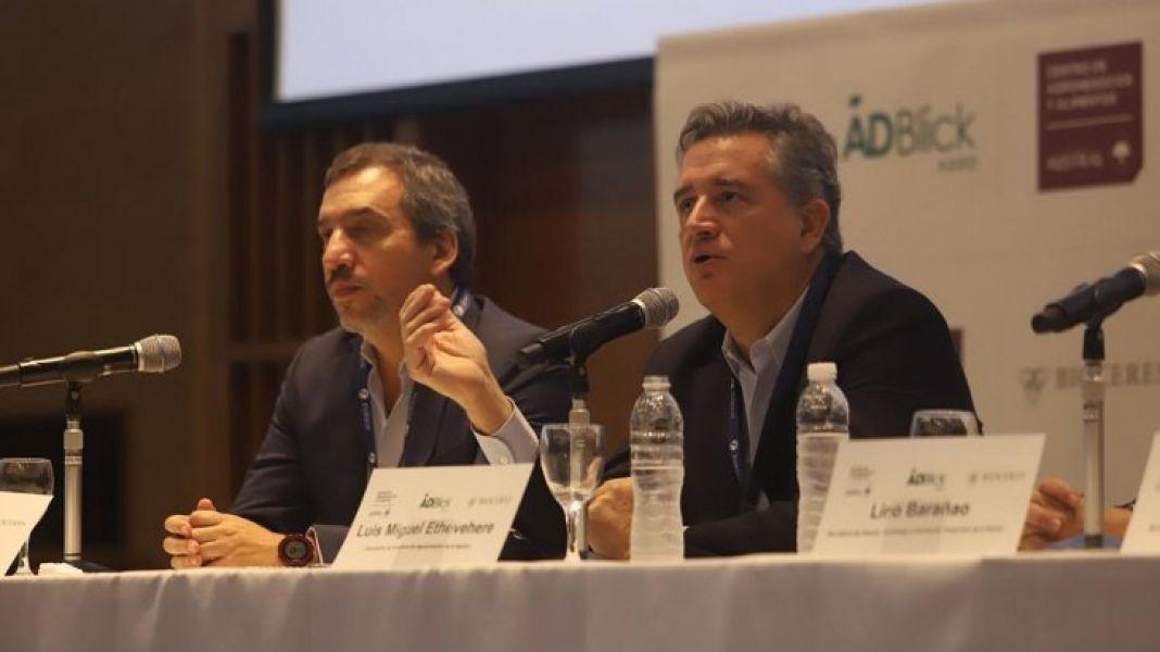 El secretario de Agroindustria Miguel Etchevere disertó. Entre los expositores primó el consenso en la necesidad de reforzar las exportaciones.