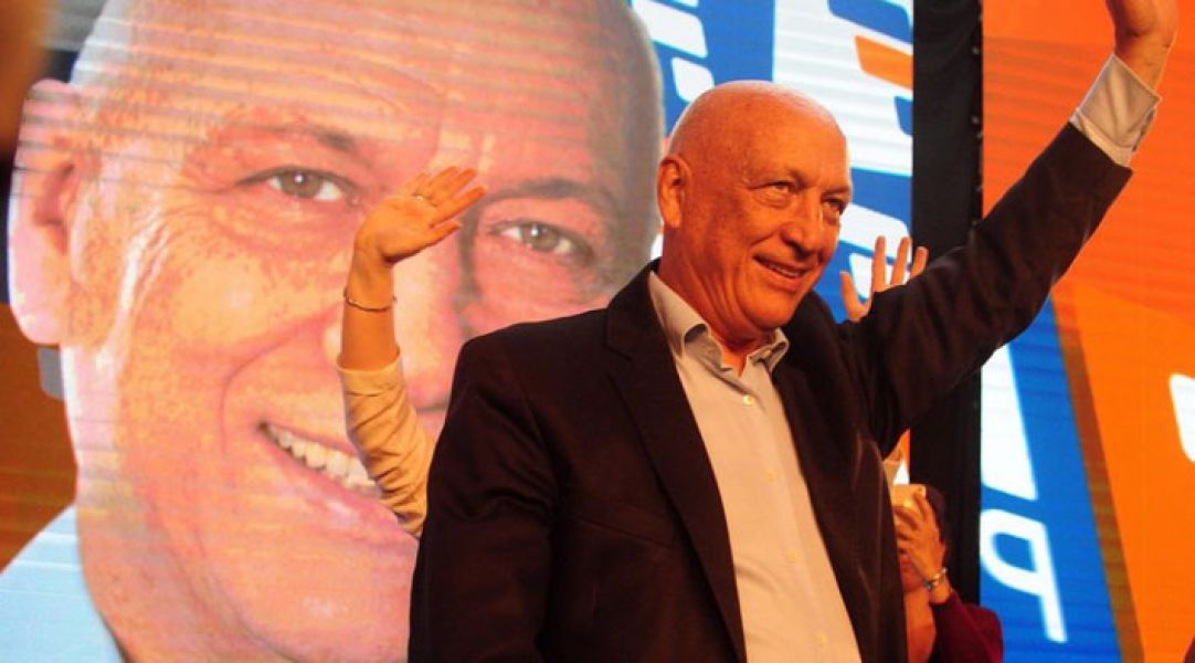 Antonio Bonfatti aspira a retener la gobernación a favor del socialismo.