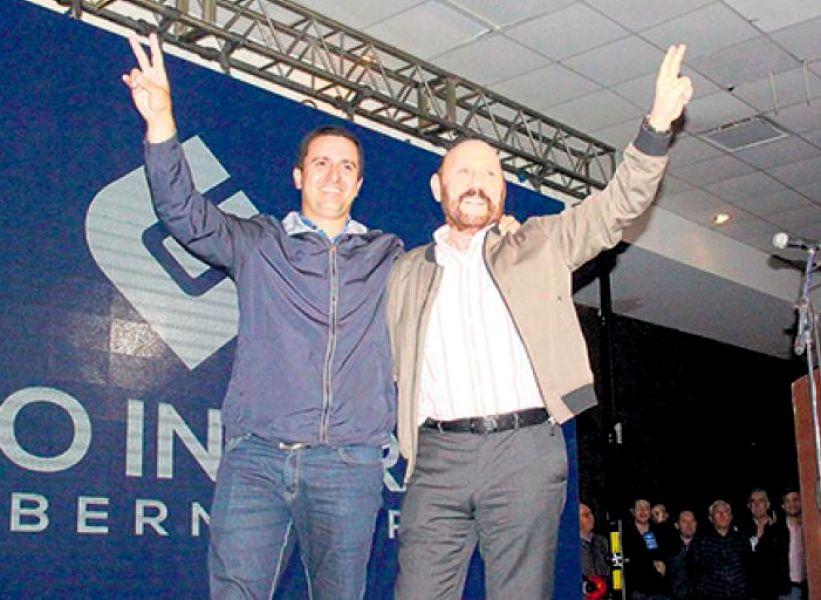 """El gobernador Gildo Insfrán y el vicegobernador Eber Solís. """"Juntos y unidos somos invencibles"""" y el lema """"en Formosa no se rinde nadie"""", dijo."""