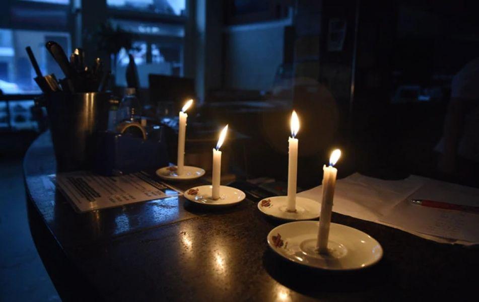 El apagón comenzó las 7 am del domingo 16 de junio y recién a las 22 horas se informó que el 100% del suministro eléctrico fue restablecido.