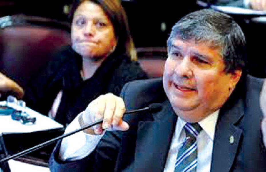 Senador nacional por Formosa, Walter Mayans, es el candidato más firme para reemplazar a Pichetto en el bloque del PJ en el Senado.