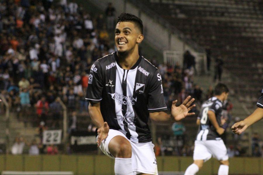 Ronaldo Martínez.