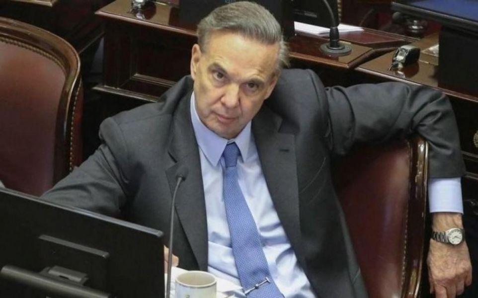 La defensa del juez quiere que el senador Miguel Angel Pichetto se excuse en la investigación por ser parte interesada en la causa.