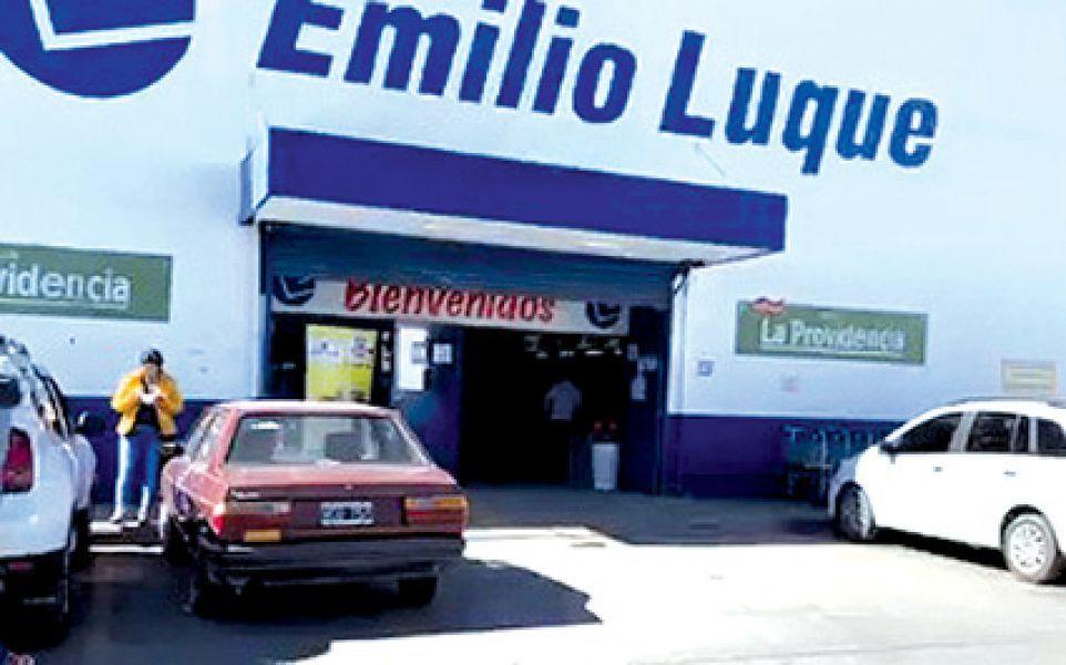 El autoservicio mayorista de Salta está ubicado en Orán 1155. Son 43 los trabajadores en alerta por el quiebre.