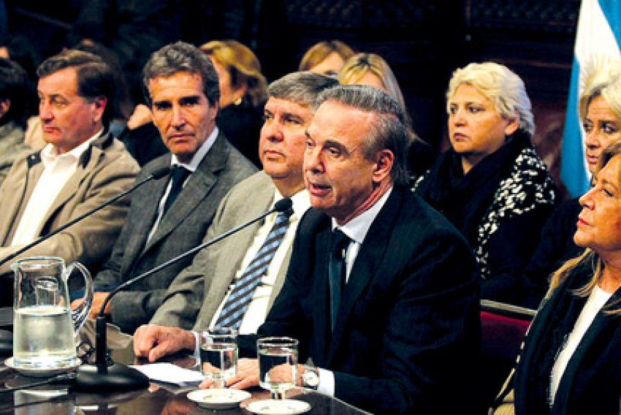 Miguel Àngel Pichetto. El bloque del peronismo volverá a reunirse el martes próximo para designar su nuevo presidente.