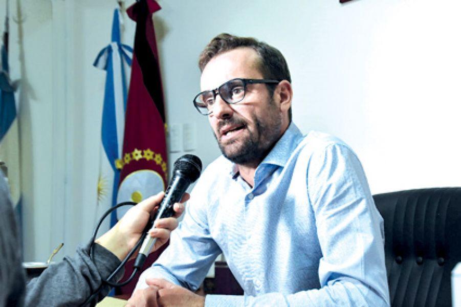 """""""El precio de venta al público implica que sólo puede conseguirse a $340 en las plantas fraccionadoras y distribuidoras, dijo Horacio Sansone."""