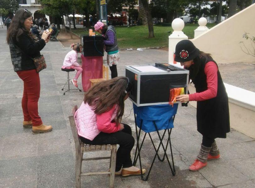 El festival tienetambién la modalidad del teatro Lambe-Lambe de títeres en miniatura que se instalarán en la Plaza 9 de Julio.